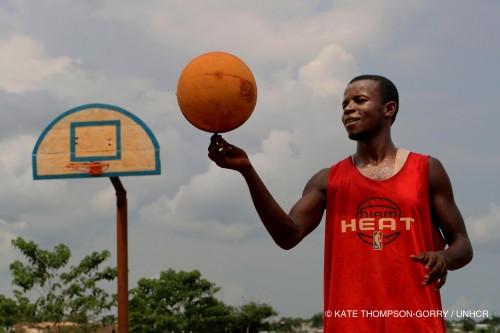 Kate_Thompson-Gorry_UNHCR_DRC_BasketHoriz
